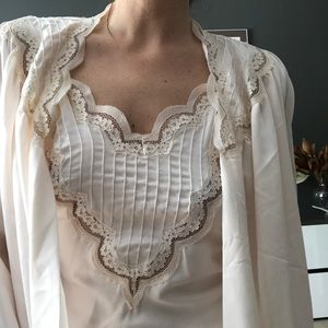Beautiful 80s vintage peignoir set